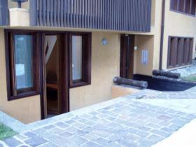 <b>Balconcino esterno</b>