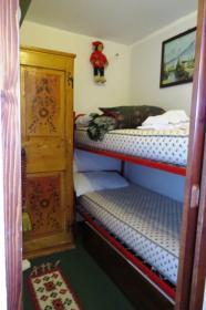 <b>stanzetta con letto a casello</b>