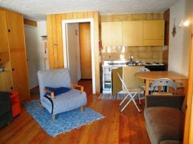 <b>soggiorno con angolo cottura</b> soggiorno con angolo cottura