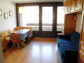 <b>soggiorno con vetrata</b>