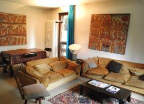 <b>soggiorno con divano</b>