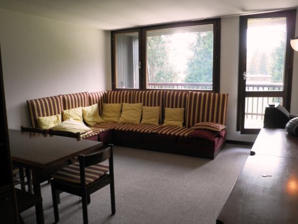 Soggiorno Con Vetrata : soggiorno con vetrata e balcone